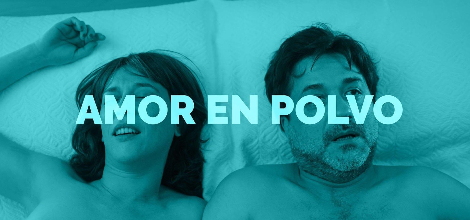 Lorena López y Enrique Arce en la cama