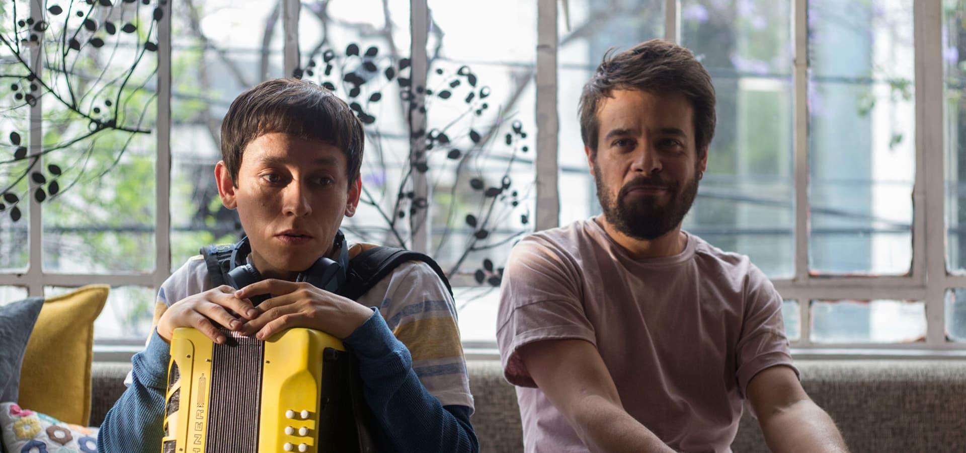 Los personajes de Tomás y Leo en la película ¿Conoces a Tomás?