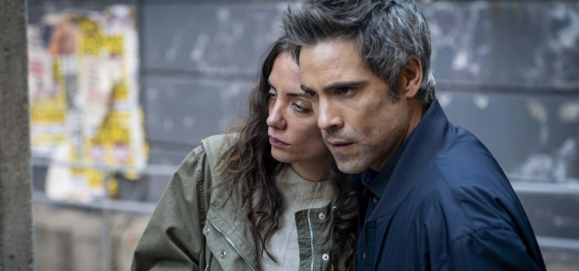 María Hervás y Unax Ugalde en La valla